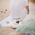 Demande en mariage Audrey & Nicolas Ma Régisseuse wedding planner plage coussins love