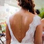 Mariage Réunion Ma Régisseuse wedding planner collier de dos préparatifs coiffure mariée