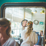 mariage, fleurs, coiffure, miroir,